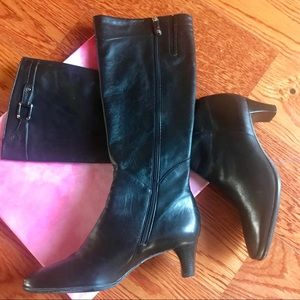 Sz 6 Cole Haan leather boots. Black